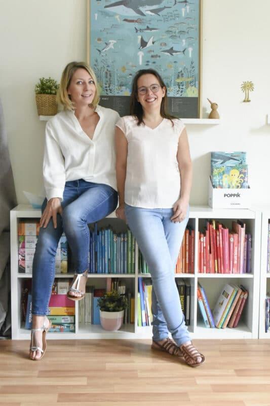 Delphine Badreddine (balra) és Françoise Baglin, a Poppik alapítói miniart matricás poszter
